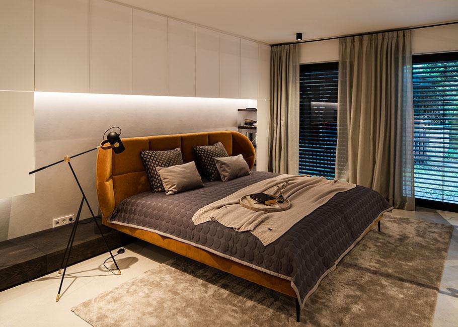 Schlafzimmer und Masterbad